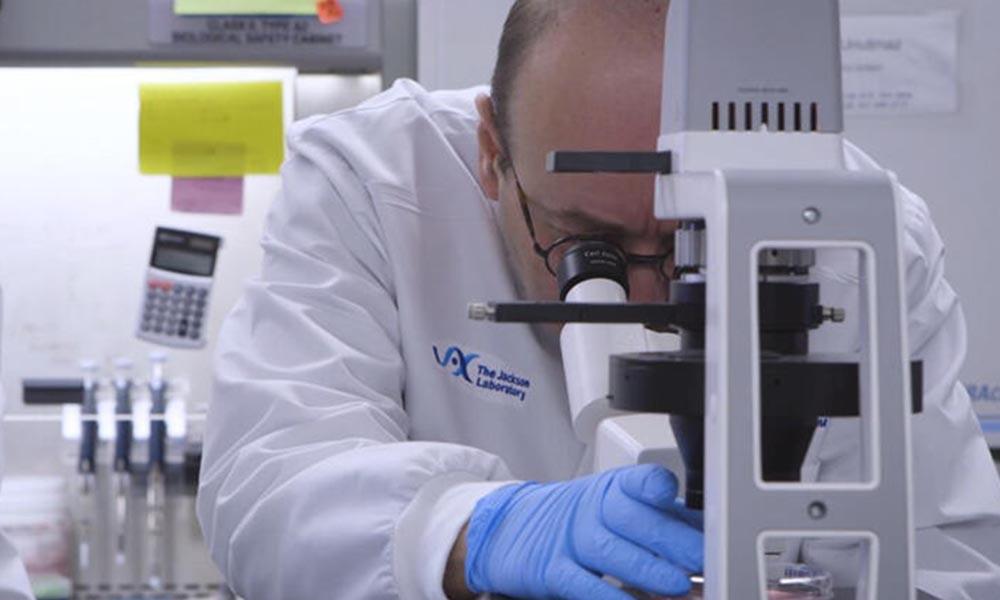Dünyaca tanınmış Türk doktor Derya Unutmaz: Koronavirüsü durduran ilaçlar bulundu