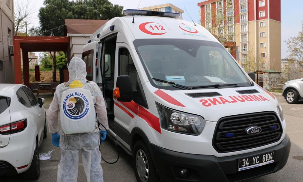 Kartal Belediyesi, eczane ve 112 acil merkezleri dezenfekte etmeye devam ediyor