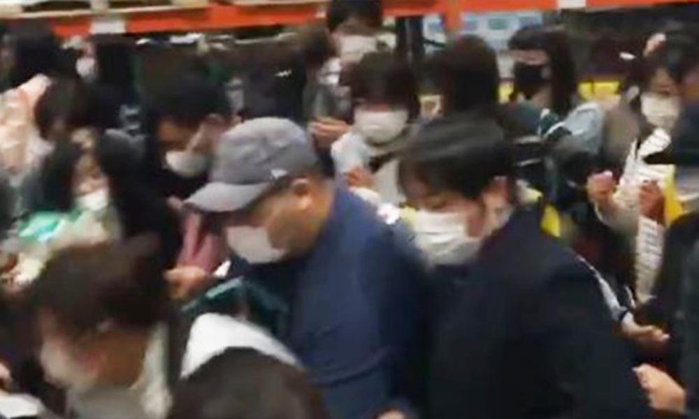 Japonya'da maske izdihamı! İşte o görüntüler…