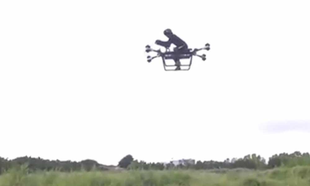 Uçan motosiklet icat edildi! İşte o görüntüler…