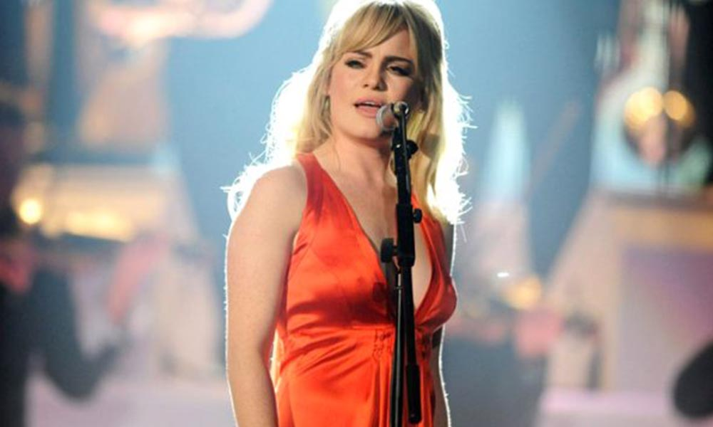 Bir ay boyunca tecavüze uğrayan şarkıcı, yaşadıklarını anlattı!