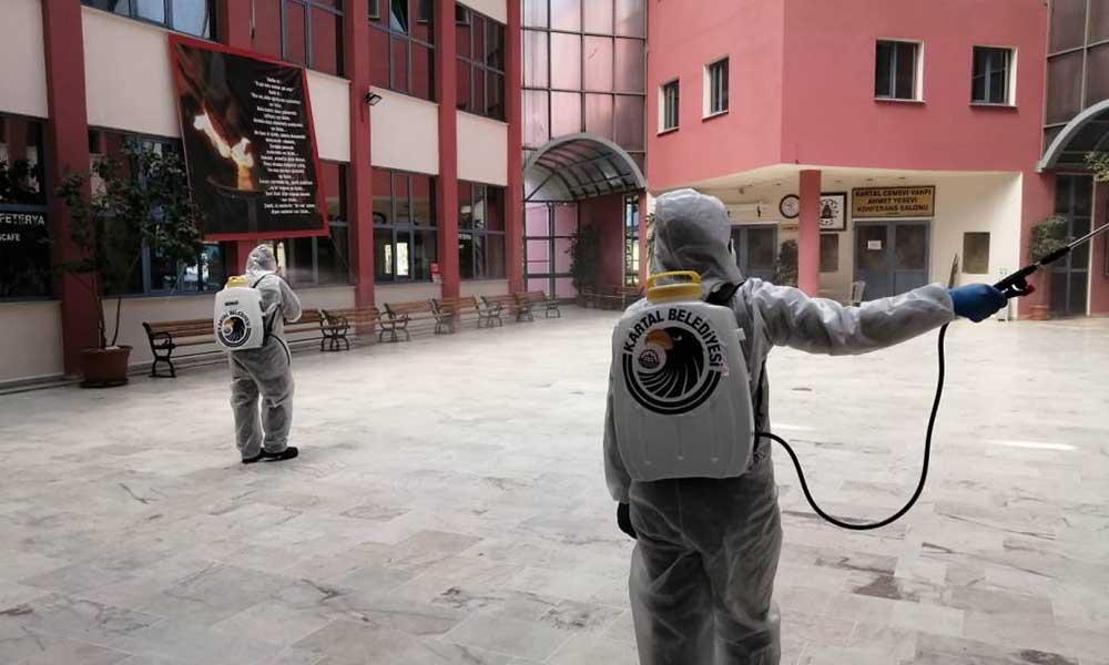 Kartal Belediyesi, ilçedeki Sağlık Merkezlerini dezenfekte etmeye devam ediyor