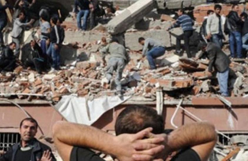 Van'daki depremde 39 kişiye mezar olan Sevgi Apartmanı'nın müteahhitlerine beraat kararı
