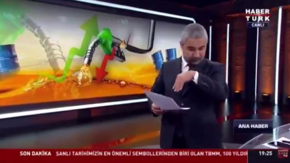 Sosyal medyaya damga vurdu! Veyis Ateş'in canlı yayında sinekle imtihanı