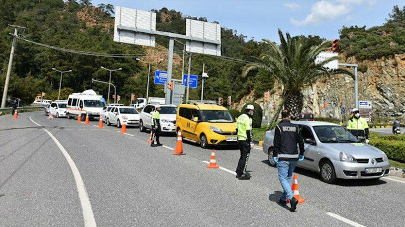 Bin 179 araçtaki 2 bin 809 kişinin Antalya'ya girişine izin verilmedi