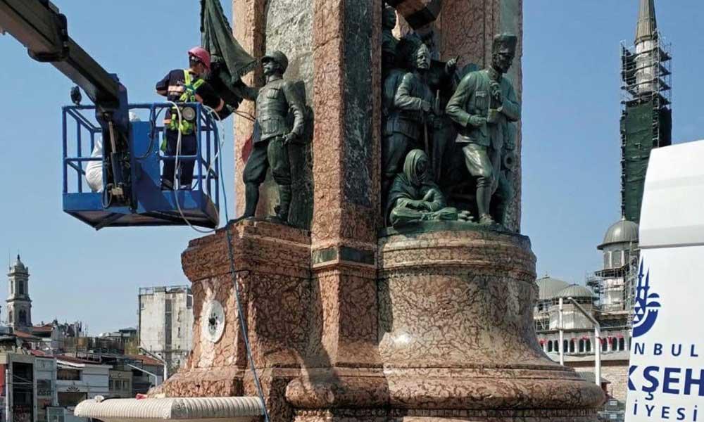 Cumhuriyet Anıtı'na yapılan boyalı saldırı sonrası İBB harekete geçti
