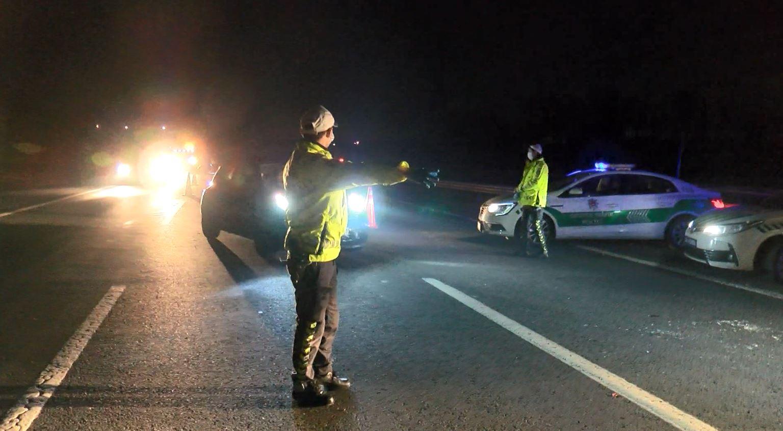İstanbul'a araç giriş-çıkışı durduruldu, izinsiz araçlara ceza kesildi