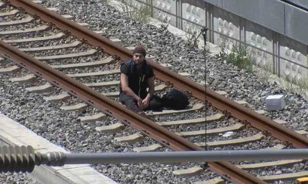 Bakırköy'de hareketli dakikalar! 'Çantamda bomba var' diyen şahıs gözaltına alındı