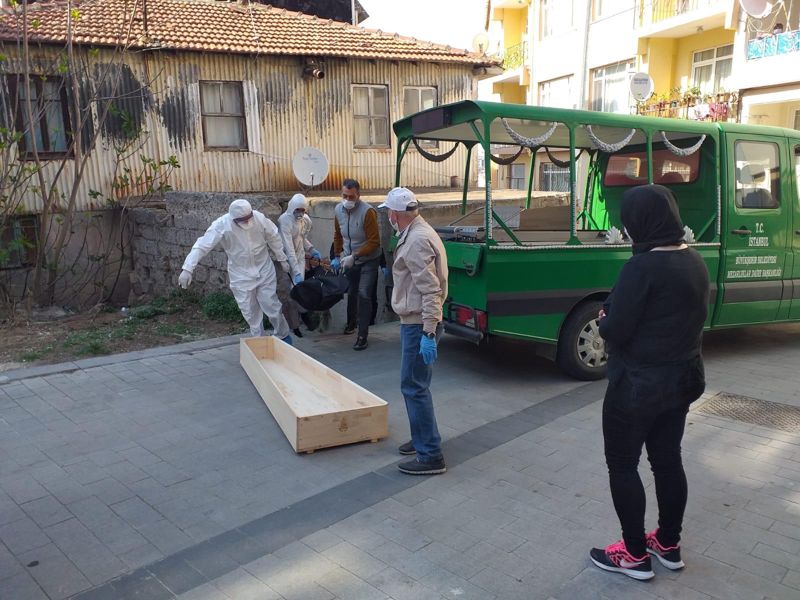 Silivri'de yaşlı adam evinde ölü bulundu