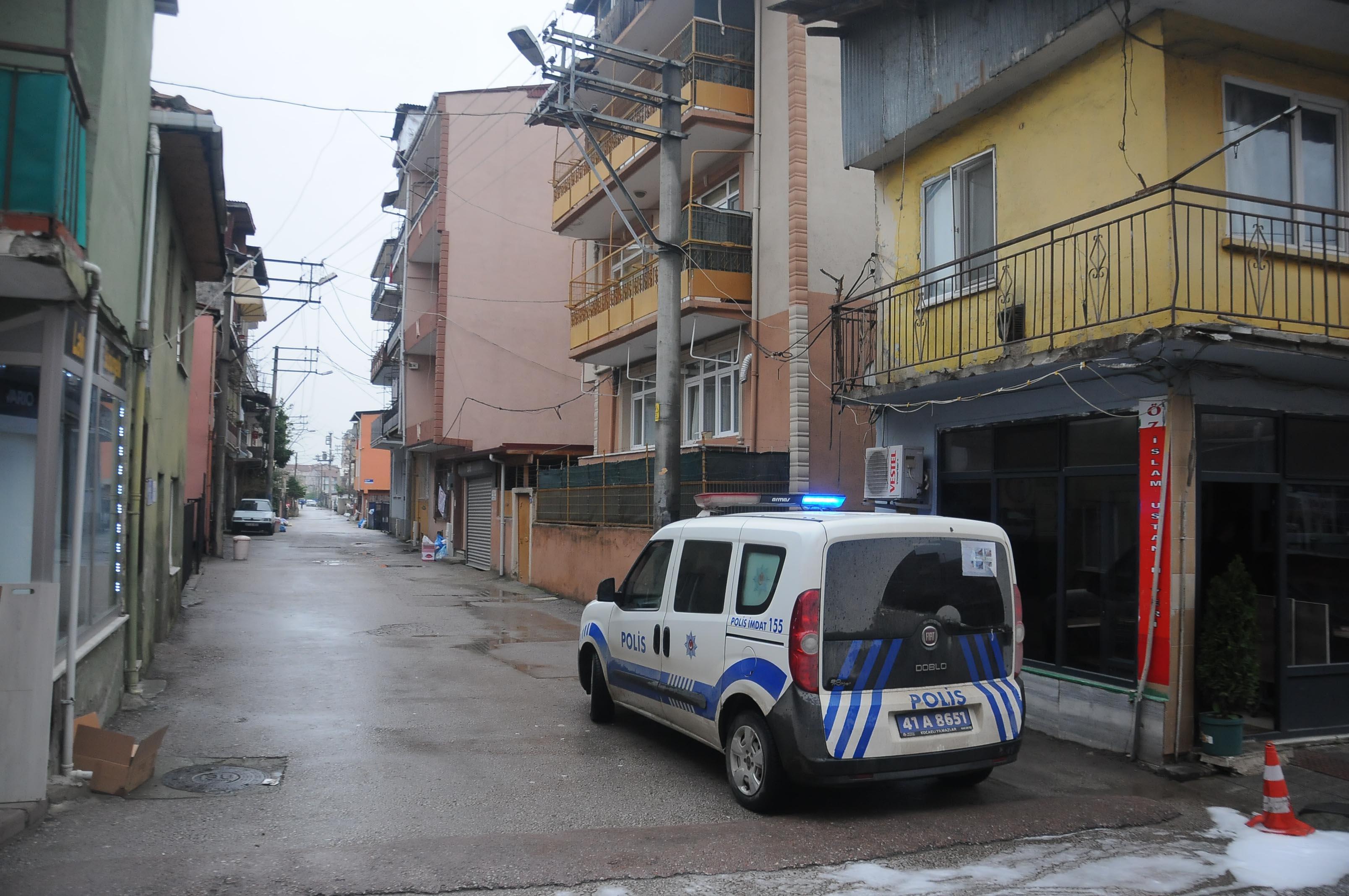 İzmit'te 1 sokak ve 1 bina karantinaya alındı