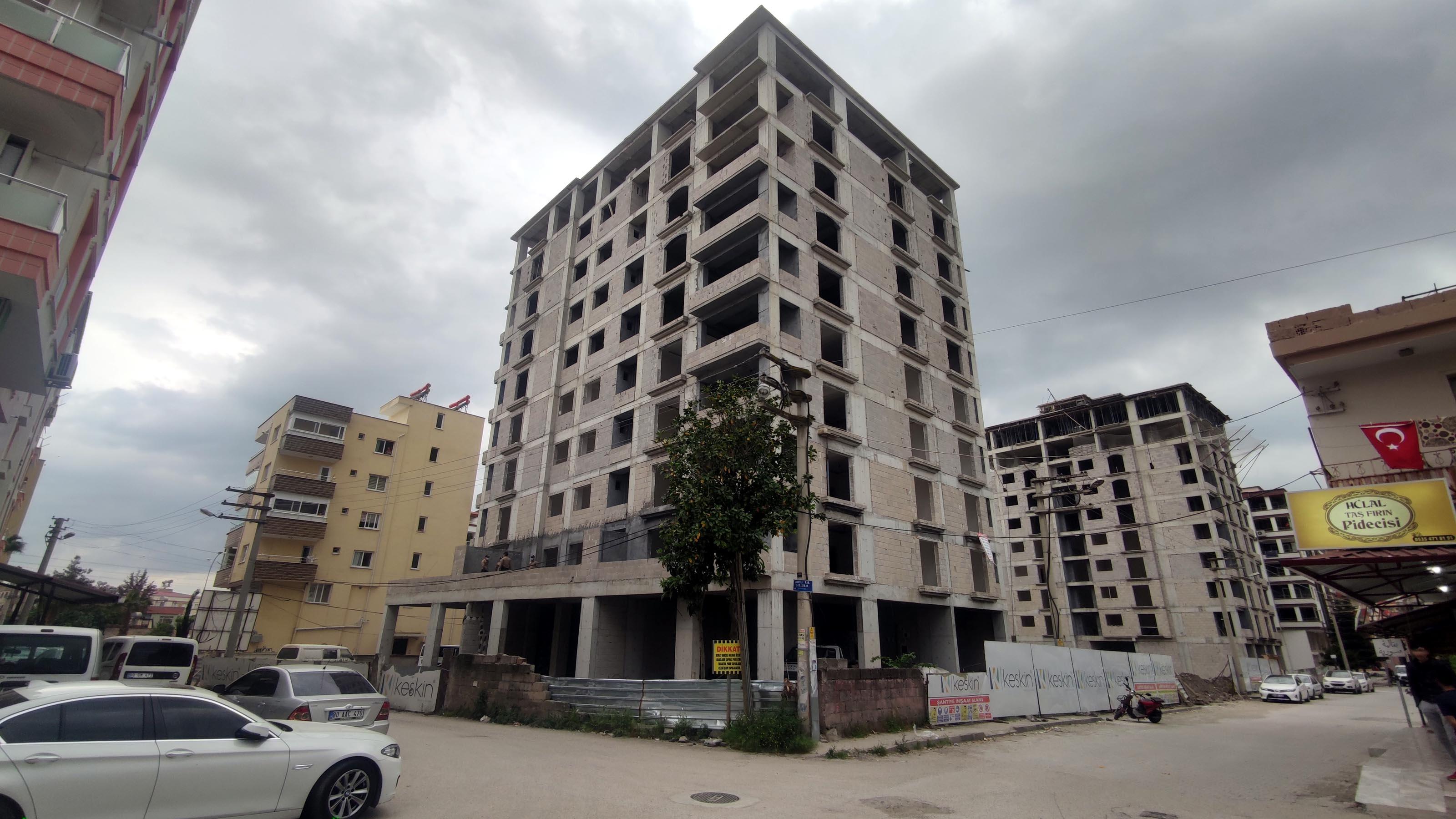 10 katlı inşaattan düşen Suriyeli işçi hayatını kaybetti
