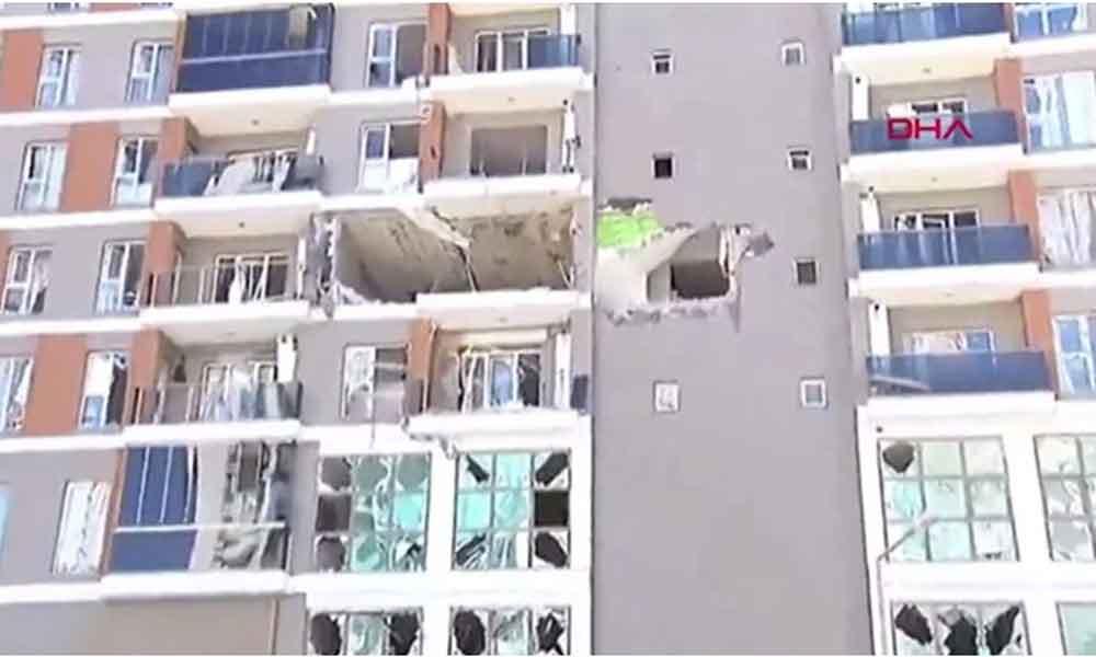 Ortalık savaş alanına dönmüştü… Esenyurt'ta patlama olan daire içeriden görüntülendi