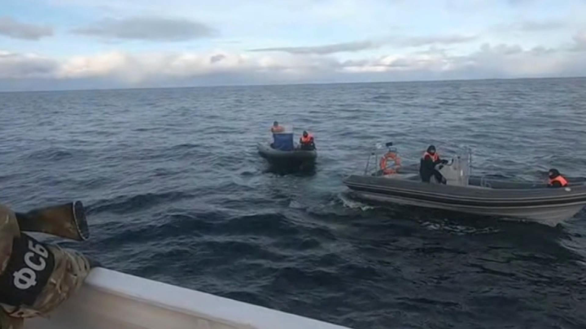 Rusya'dan Kuzey Buz Denizi'nde göçmen operasyonu