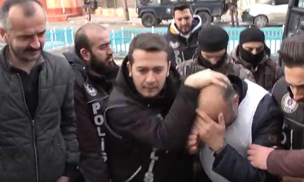İnfaz Yasası ile cezaevinden çıktı, emekli polisi döverek gasp etti