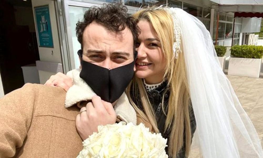 Yüzyüzeyken Konuşuruz grubunun solisti Kaan Boşnak evlendi