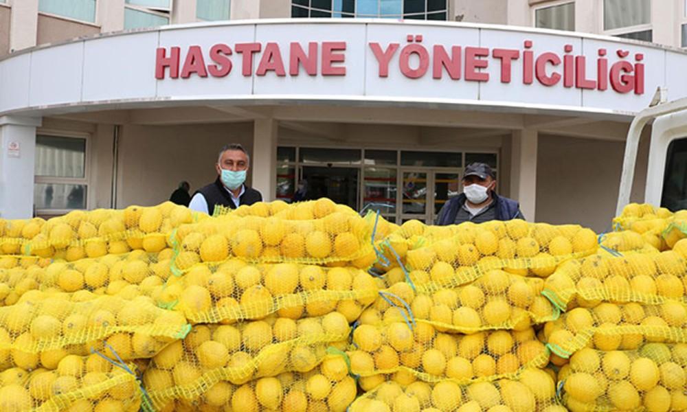 Hastanenin önüne dört ton limon bıraktılar