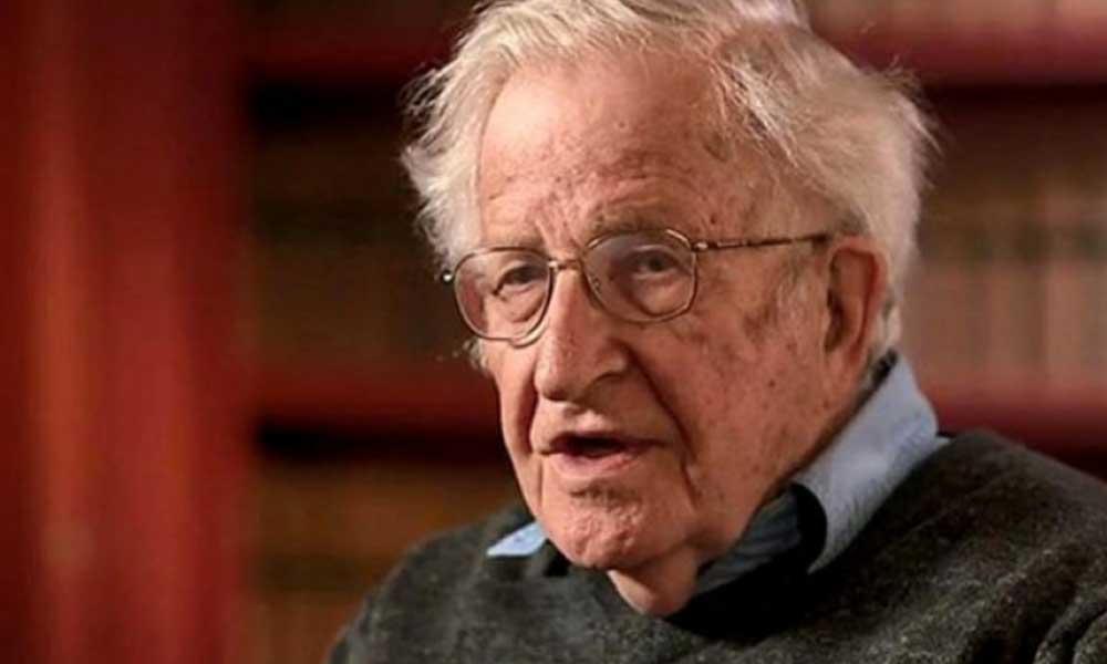 Chomsky, koronavirüs salgınından sonra insanlığı bekleyen iki büyük felaketi açıkladı!