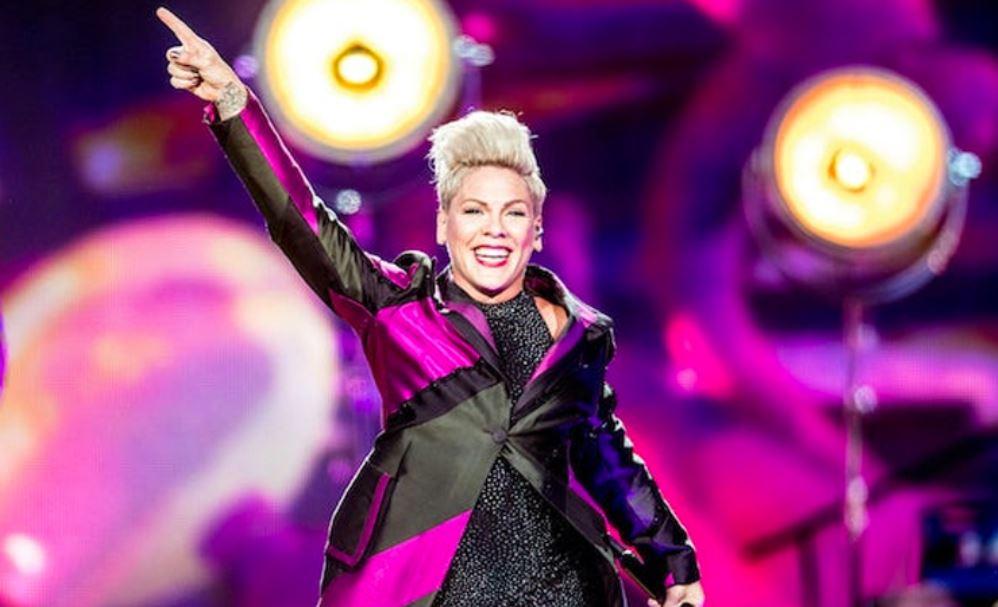 ABD'li şarkıcı Pink, oğluyla koronavirüse yakalandığını duyurdu