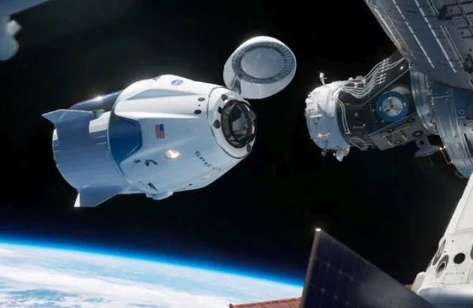 SpaceX astronot eğitim faaliyetleri yürütüyor