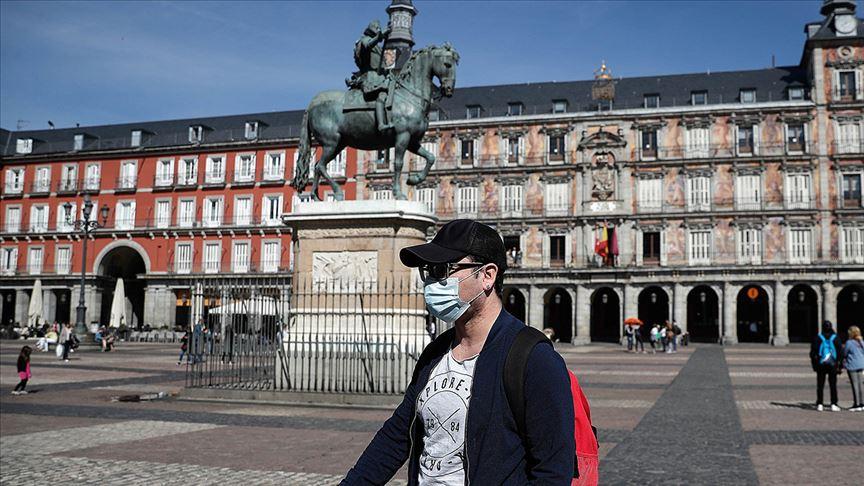 İspanya, 'kademeli normale geçiş takvimi'ni açıklandı