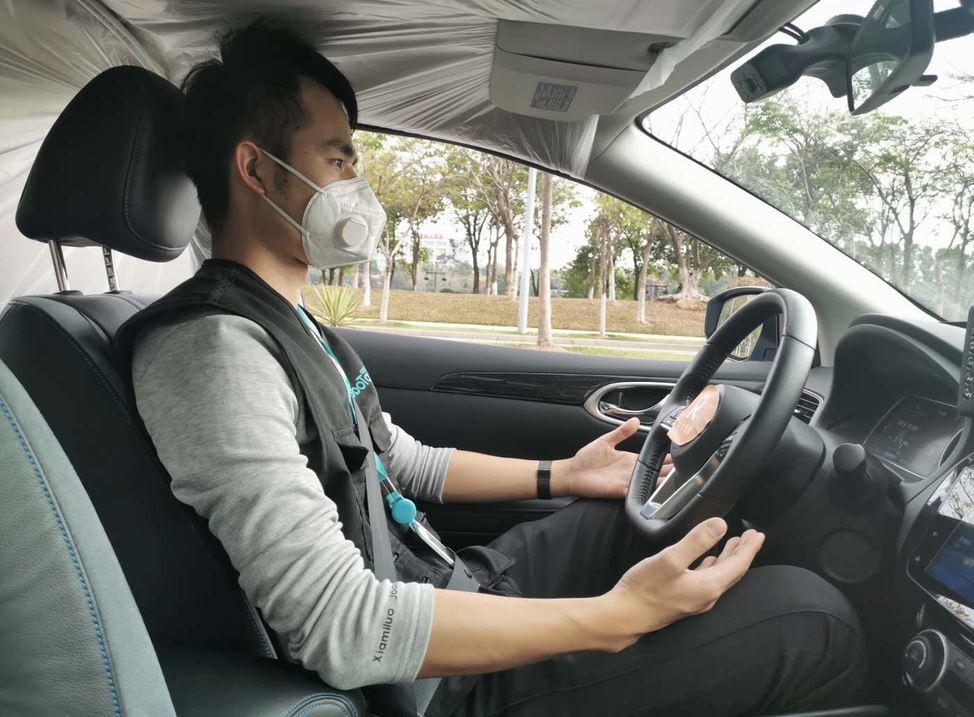 Salgının başladığı Çin'de sürücüsüz robot taksiler piyasada