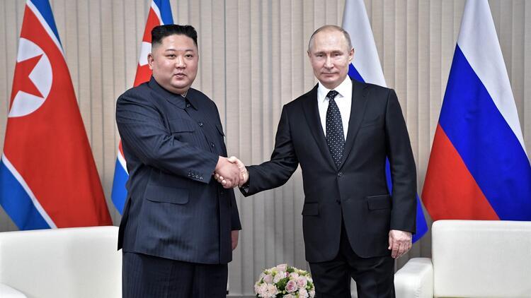Öldüğü iddia edilen Kim Jong-un'a Putin'den madalya