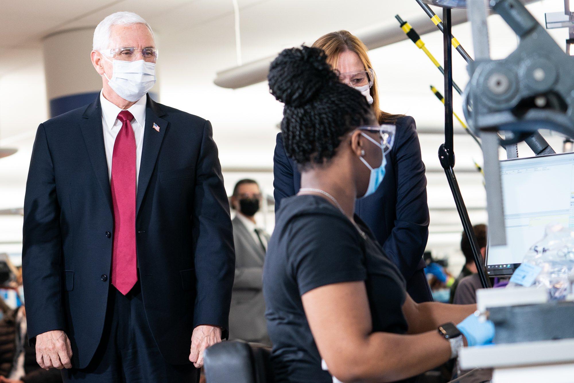 ABD Başkan Yardımcısı Pence'ten maske itirafı
