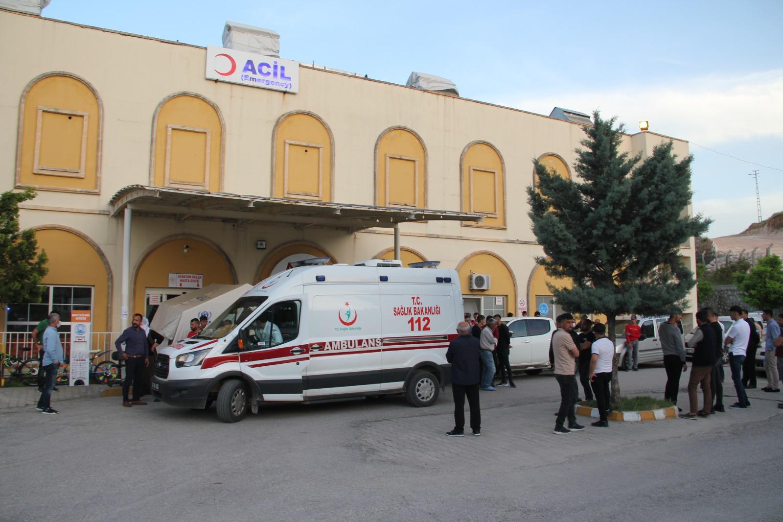 Midyat'ta, kamyonet şarampole devrildi: 1 ölü, 6 yaralı