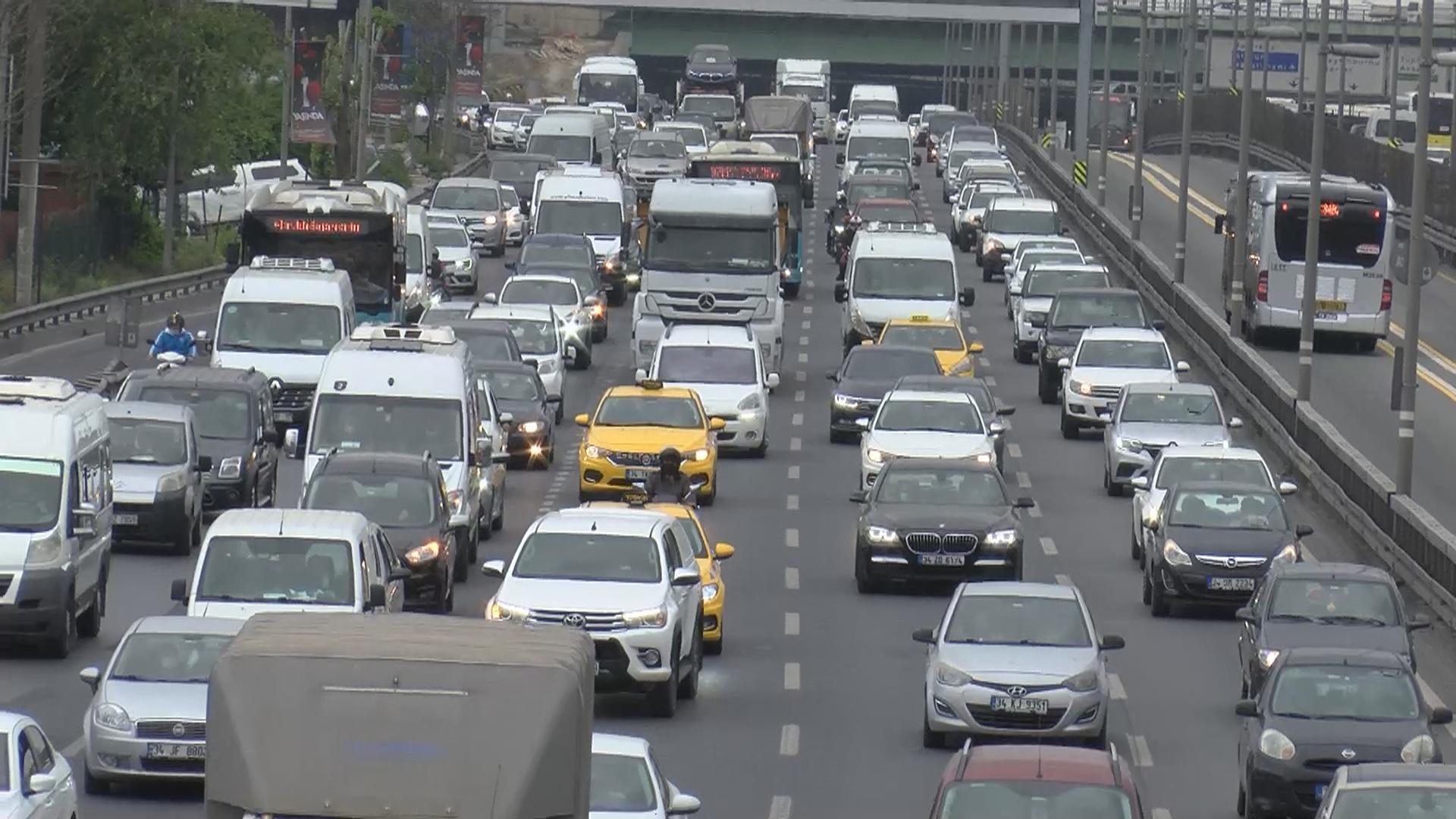 İstanbul'da son zamanların en yoğun trafiği