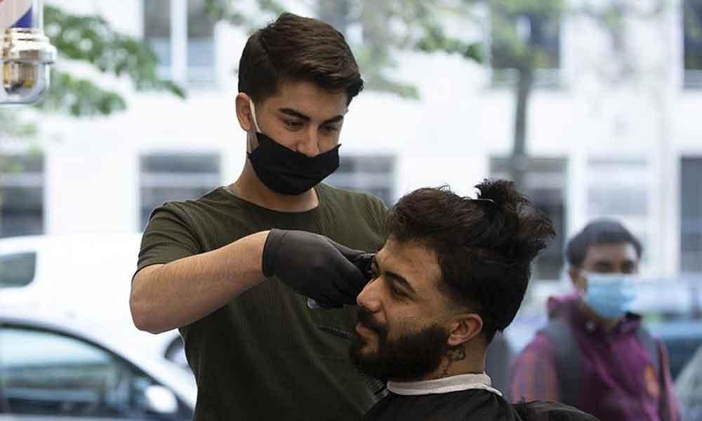 Berberler Odası: Salgın bitene kadar usturayla tıraş yasaklansın