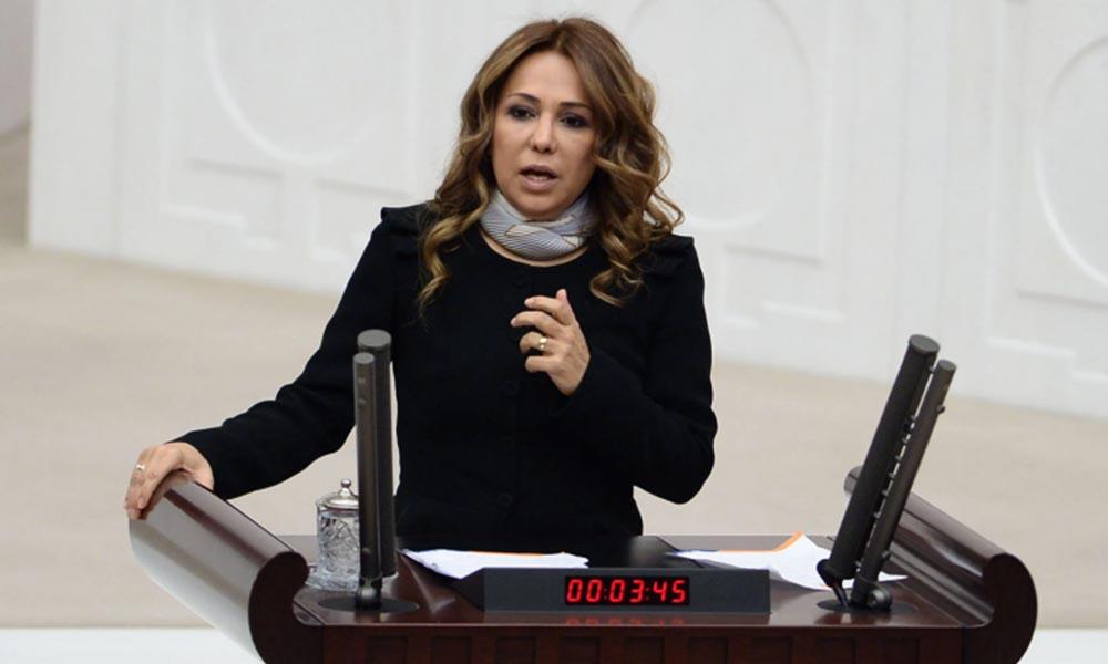 AKP'li eski vekil isim vermeden Özgür Özel'i mezarla tehdit etti