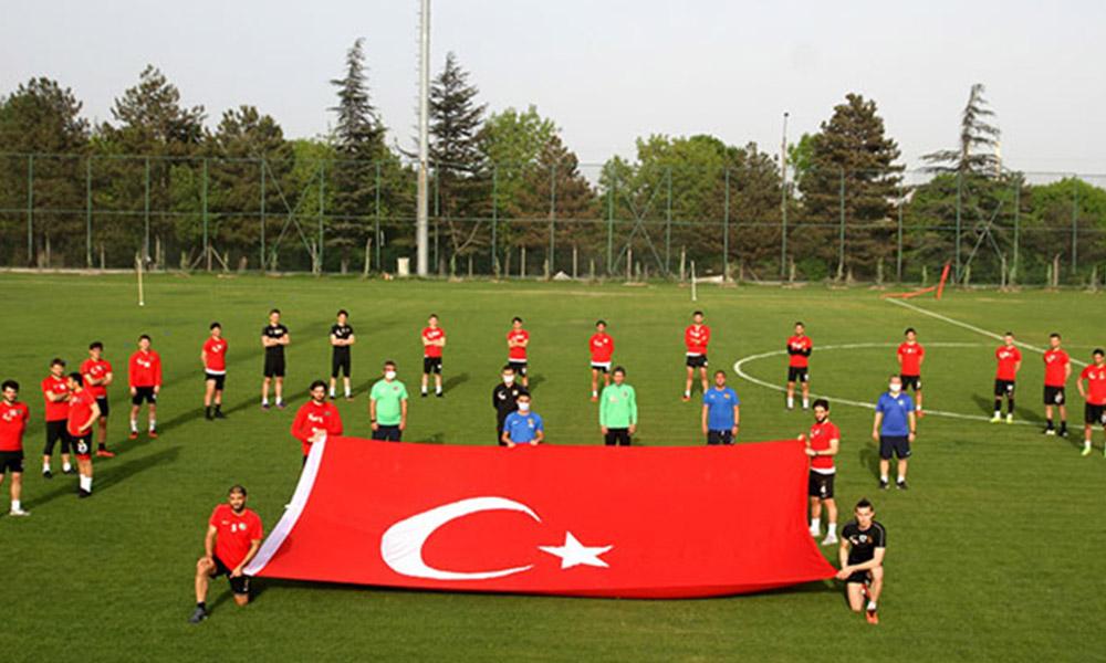 17 kulüpten 'Gençlik Marşı' zinciri! Galatasaray yer almadı