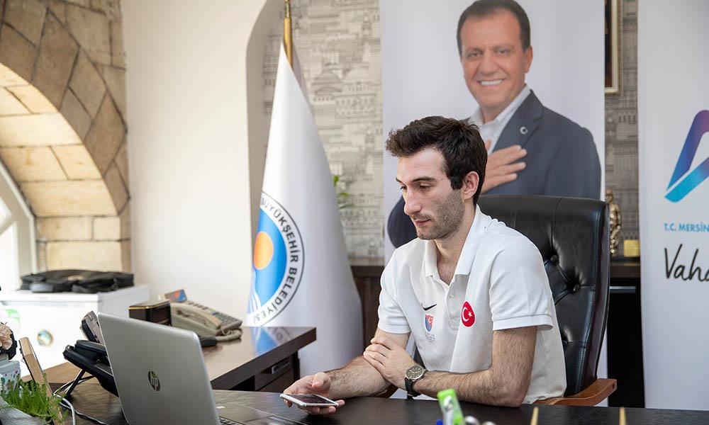 Mersin Büyükşehir Belediyesi, milli sporcu Ali Ege Say'ı canlı konferansta Kılıçdaroğlu ve sporcularla buluşturdu