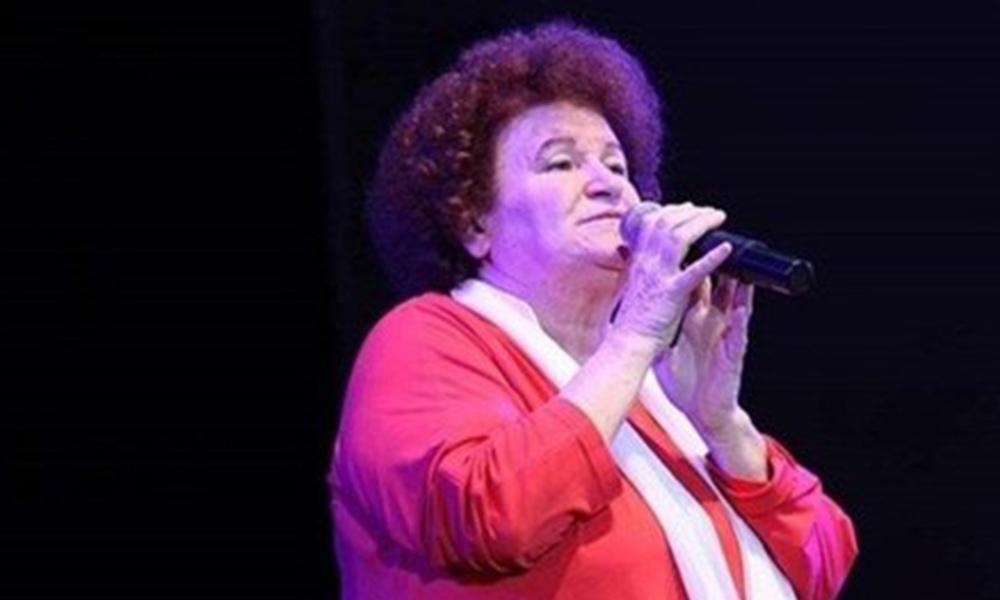 Cami hoparlörlerinden şarkısı çalınan Selda Bağcan'dan sert tepki