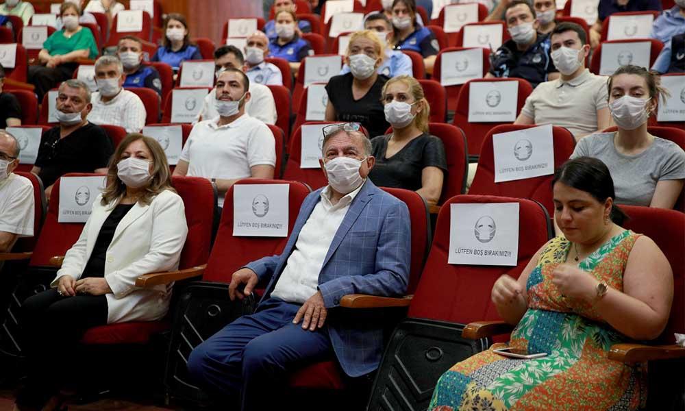 Seyhan'da 'Sosyal Mesafeli' bayramlaşma
