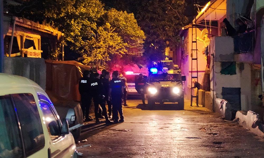 Kadıköy'de bıçaklı kavga: Yaralılar var