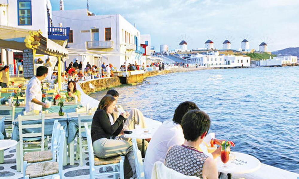 Yunanistan 25 ülkeden turist kabul edeceğini açıkladı