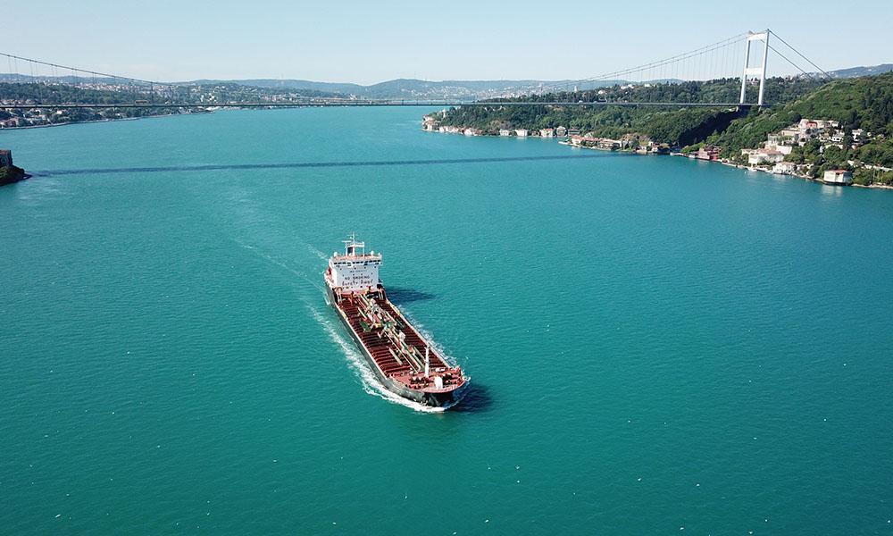 İstanbul Boğazı turkuaza büründü! İşte nedeni…