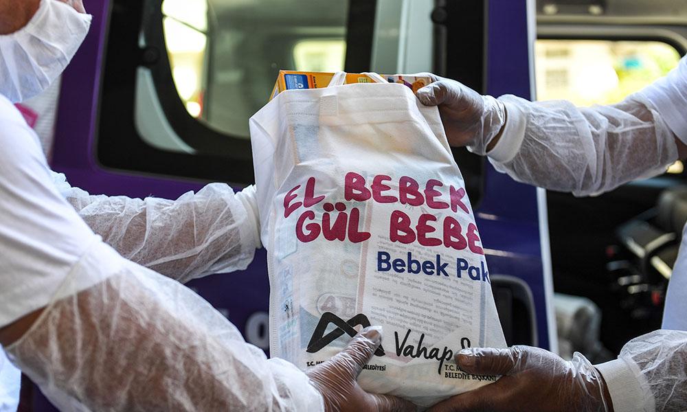 'El Bebek Gül Bebek' paketleri Mersin'i gülümsetiyor