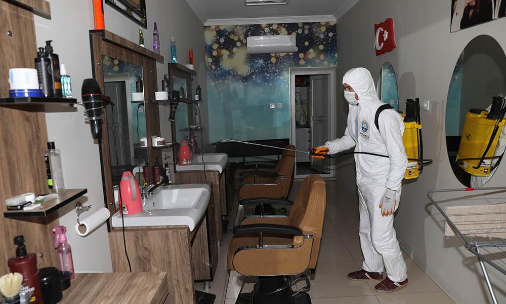 Mudanya'da kuaför ve berberlere ücretsiz dezenfekte
