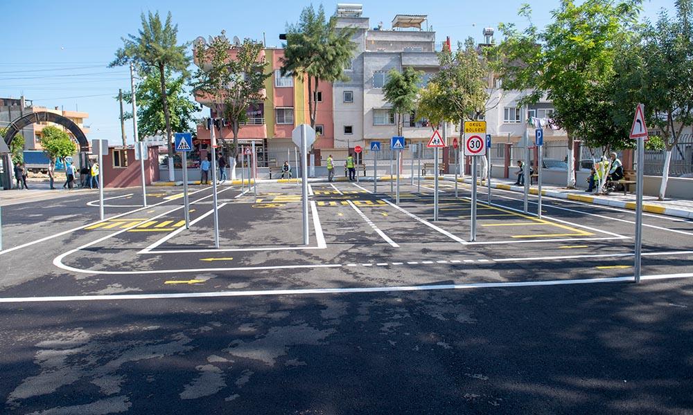 Büyükşehir'den Güneş İlkokulu'na trafik eğitim parkı