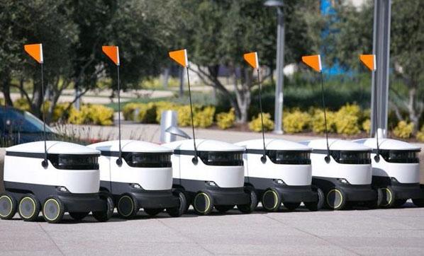 ABD'de yemek servisi ve alışverişi robotlar yapmaya başladı