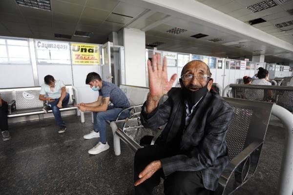 Ankara'da otobüs terminalinde bayram yoğunluğu