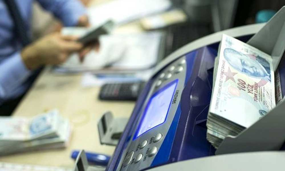 AKP 'normalleşme' dedi, bankalar eski saatlerine geri döndü