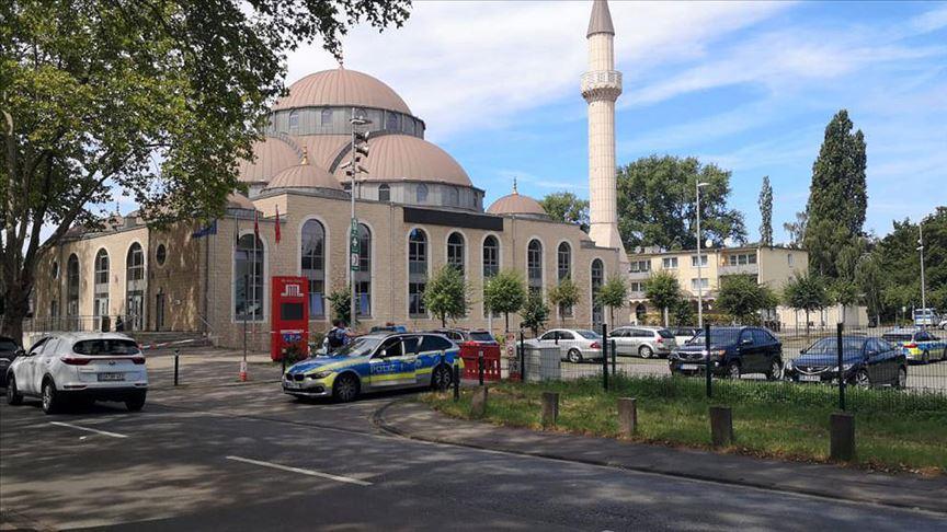 Almanya'da camiler saldırı ihtimali sebebi ile kapatıldı