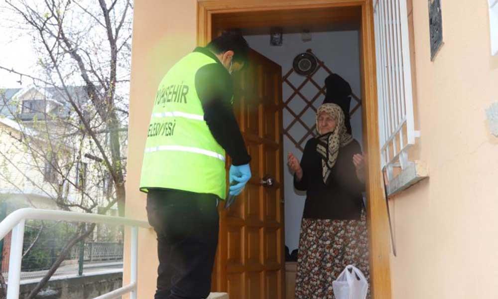 CHP'li belediyeler, iktidarın yasaklarına rağmen aşevi hizmetine devam ediyor