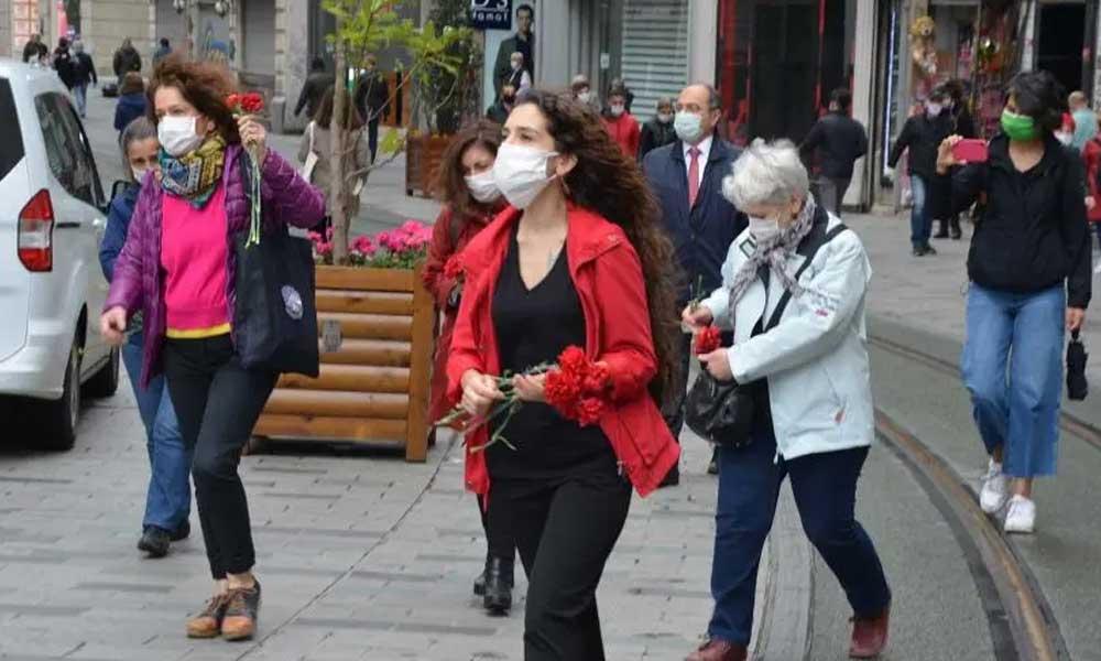 Cumartesi Anneleri 25.yılında engellemelere rağmen Galatasaray Meydanı'nda