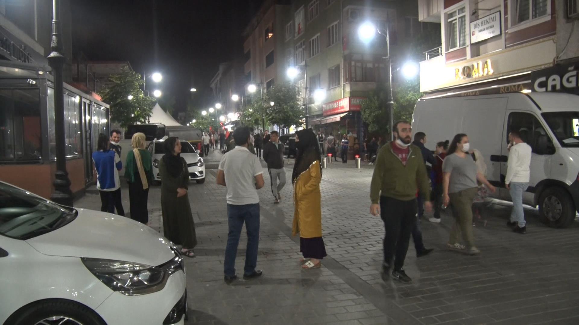 Bayrampaşa'da sokaklar tıklım tıklım