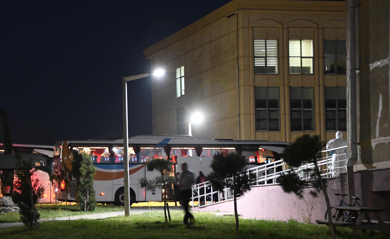 Güney Amerika'dan getirilen 64 Türk vatandaşı Çorlu'da karantinaya alındı