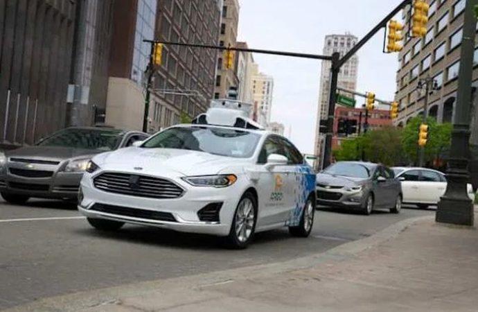 Ford otonom taksi müşterisi bulamayacak